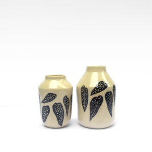 Botella Begonia Maculata cerámica ilustrada artesanal