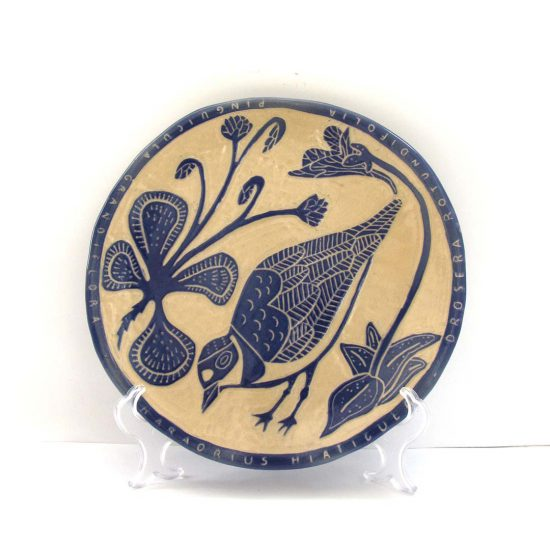 Plato Isla Islay cerámica ilustrada artesanal esgrafiado