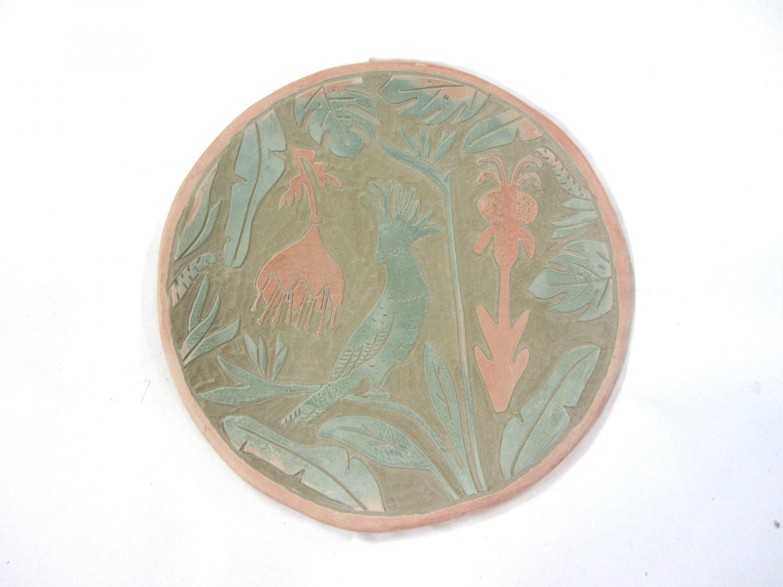 Proceso esgrafiado cerámica ilustrada artesanal