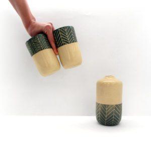 Vaso Botella espina de pez verde musgo Cerámica artesanal Blaurtopías